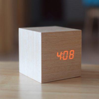 cube-réveil bois