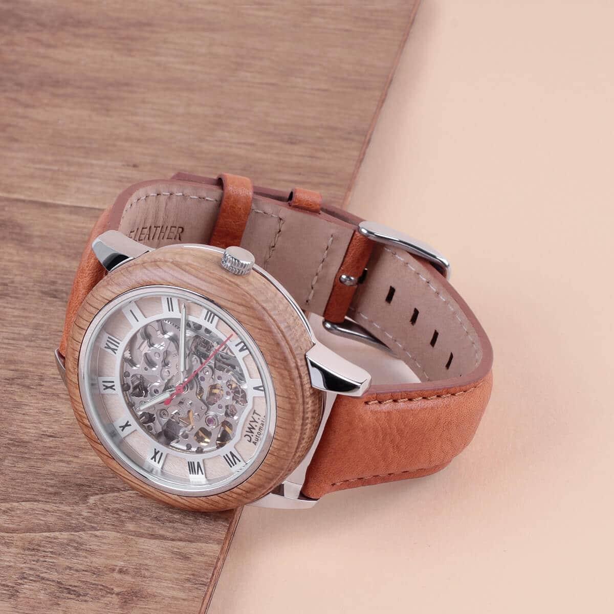 Montre en bois Imperial bracelet en cuir lisse