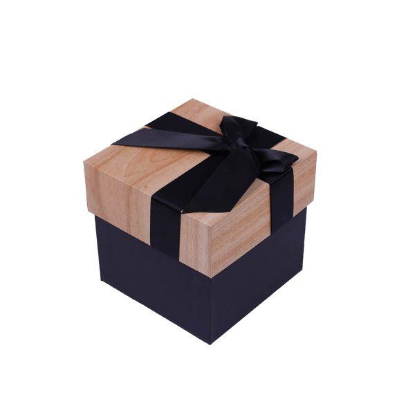 boîte cadeau fond blanc