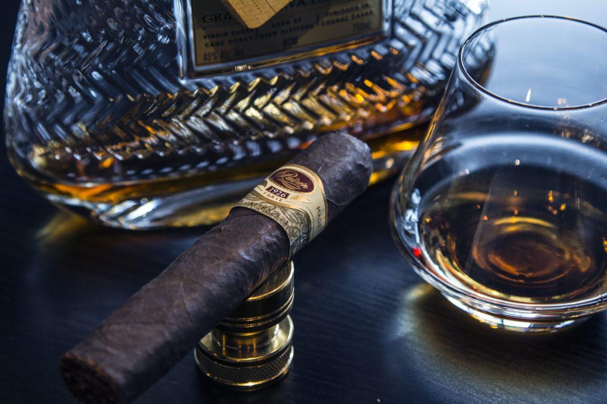 Cigare et scotch panoplie du dandy