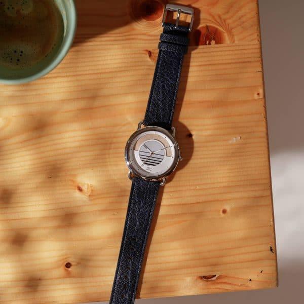 Montre solaire Sunrise vegan avec bracelet en cuir de pomme bleu lifestyle