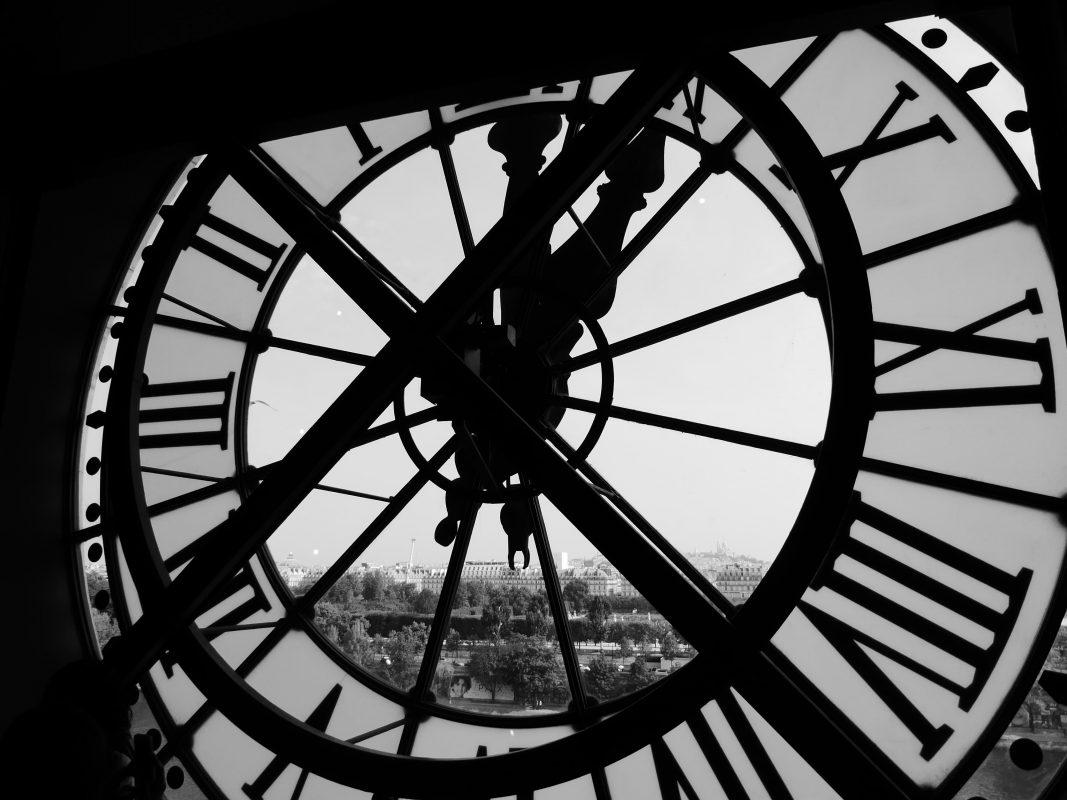 Les rouages d'une horloge ancêtre de l'histoire de la montre