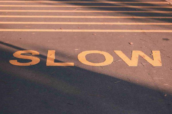 Signal de ralentissement pour vivre dans le moment présent